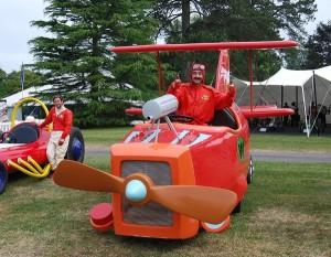 Inglaterra - O Festival de Velocidade de Goodwood 2013 realizou uma divertida exposição com os carros, em tamanho real, da 'Corrida Maluca', o desenho animado produzido por Hanna Barbera na década de 1960.